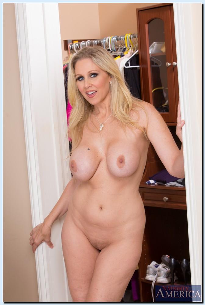 Nude sexy mom Free Milf
